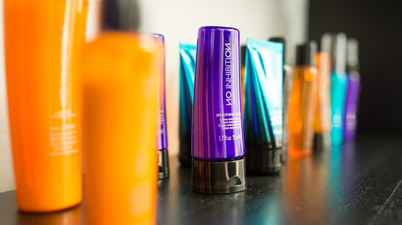 Unsere Auswahl an professionellen Produkten bietet herausragende Haarpflege.